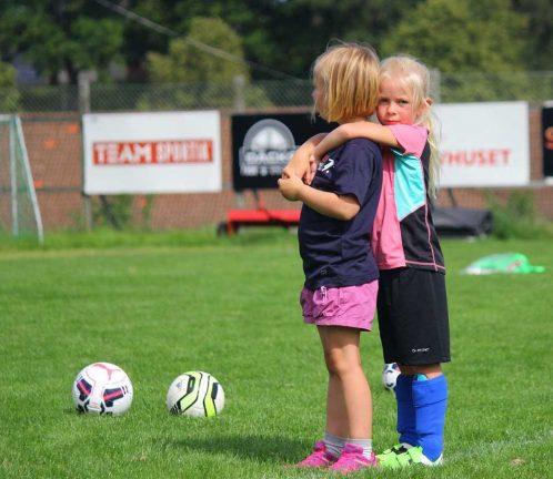 Full fart på Bors fotbollskola
