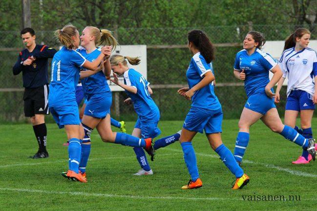 Unga tjejer vann med 3–0