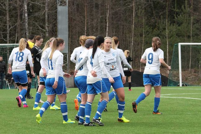 IFK-dam leder i paus