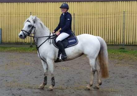 Klara Trofast klar för ponny-SM