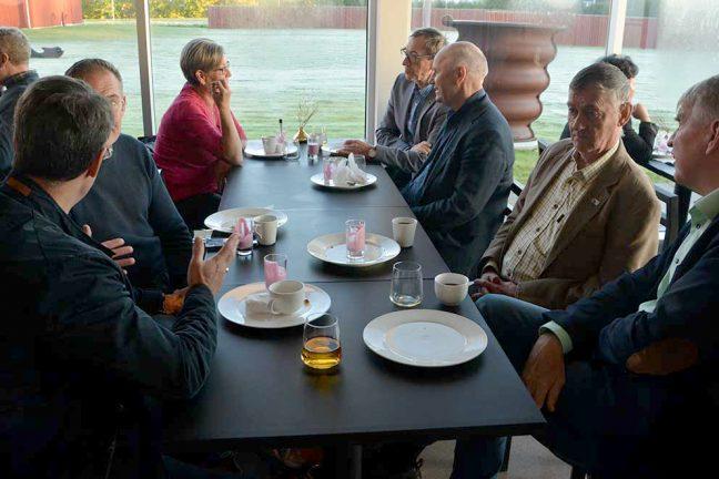Företagarfrukost med kaffe och kommunal kritik