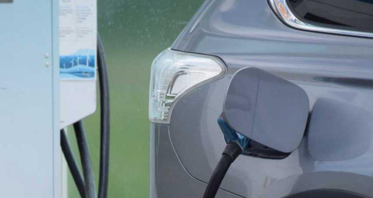 Regionen laddar för elbilar
