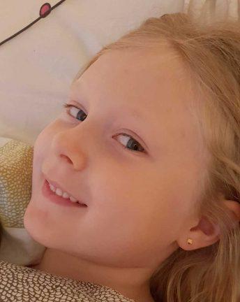 Milla Karlsson 8 år