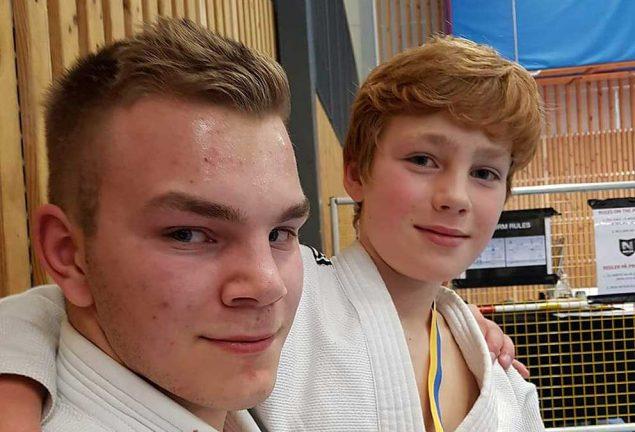 Två guld i jujutsu till Värnamo