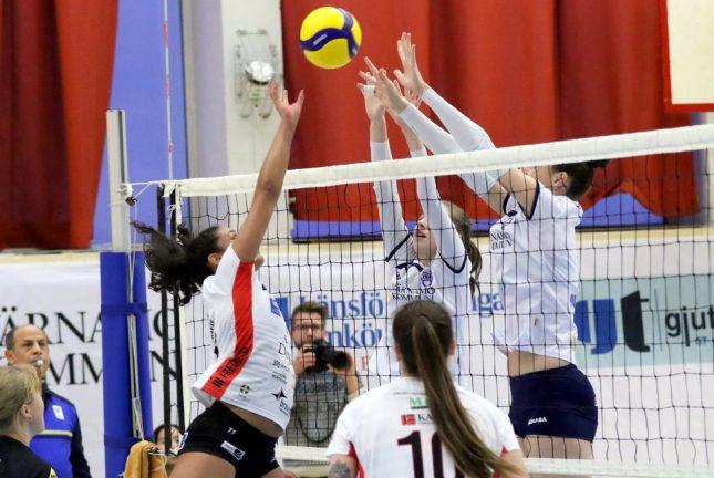 Bildextra: Förlust med 0–3 i volleyboll
