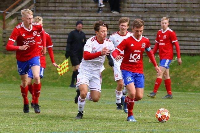 Värnamo Södras P 03 vann i en blåsig match