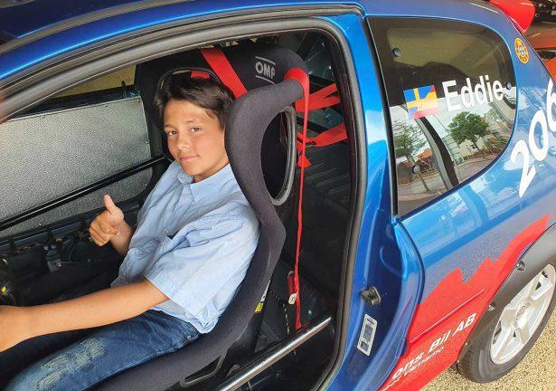 Eddie fick en ny bil