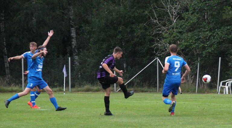 Bildextra: Kärda vann över Bor – fyra mål av Theo Eriksson