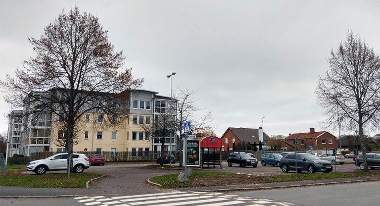 Får upprätta detaljplan för bostadsbygge på parkering