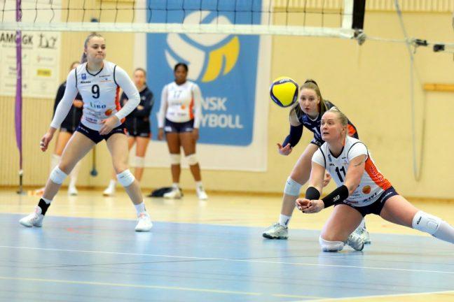 Bildextra: Knapp förlust i volleyboll