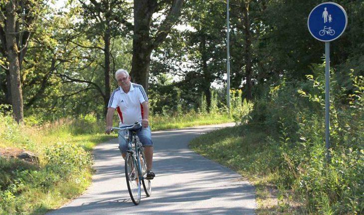 Att cykla hemma i sommar
