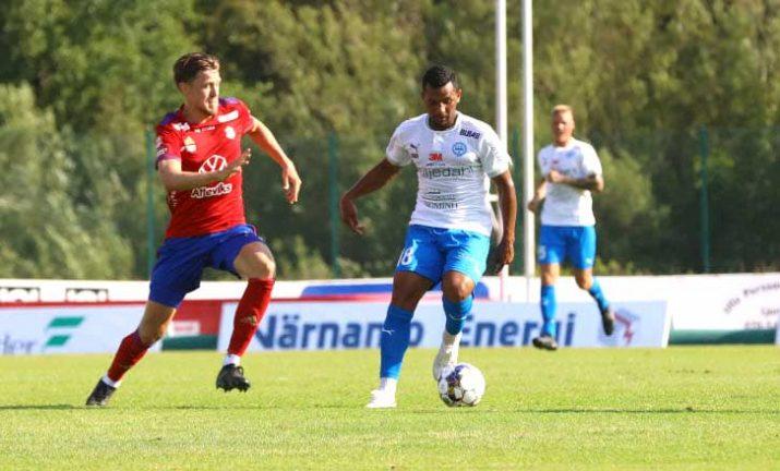 Bildextra: Christian Moses målskytt i första matchen