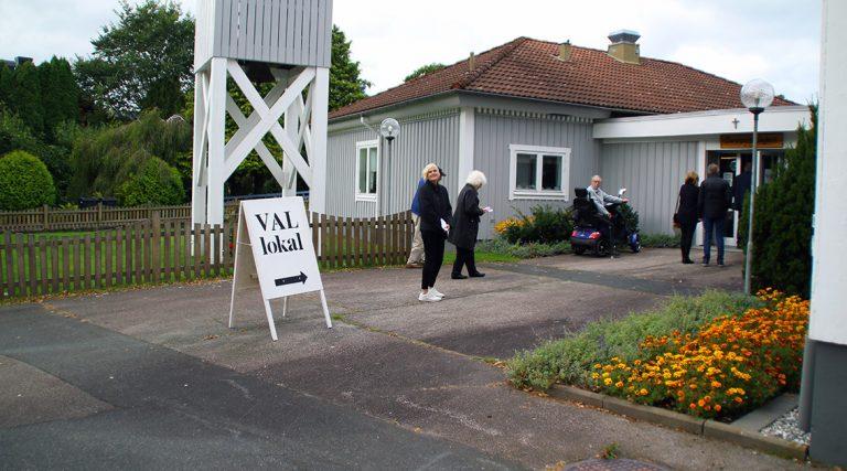 Bildspel: Kyrkoval i Bor
